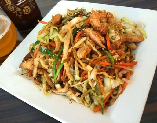 YAKISOBA NOODLES WITH PORK AND VEGETABLES