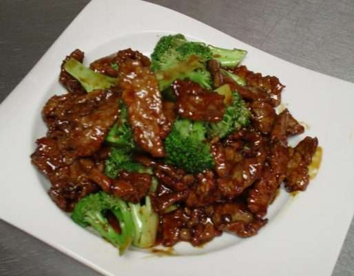 Beef and Broccoli with Garlic Sauce