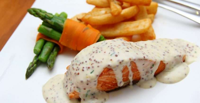 Salmon Fillets with Mustard Cream Sauce