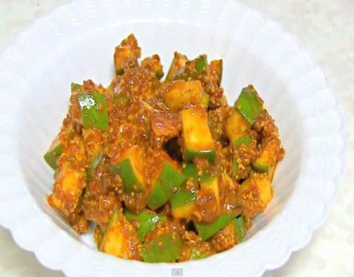 Green Mango Pickle Harae Aam ki Chutni