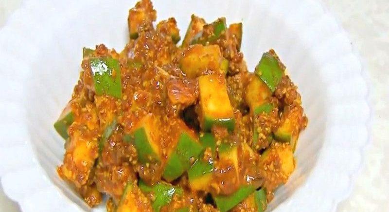 Green Mango Pickle Harae Aam ki Chutni